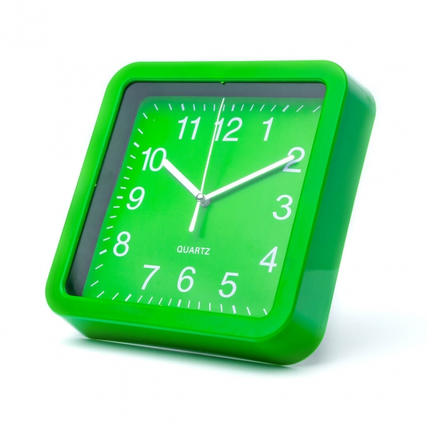 Часы настенные 19.5см квадратные с