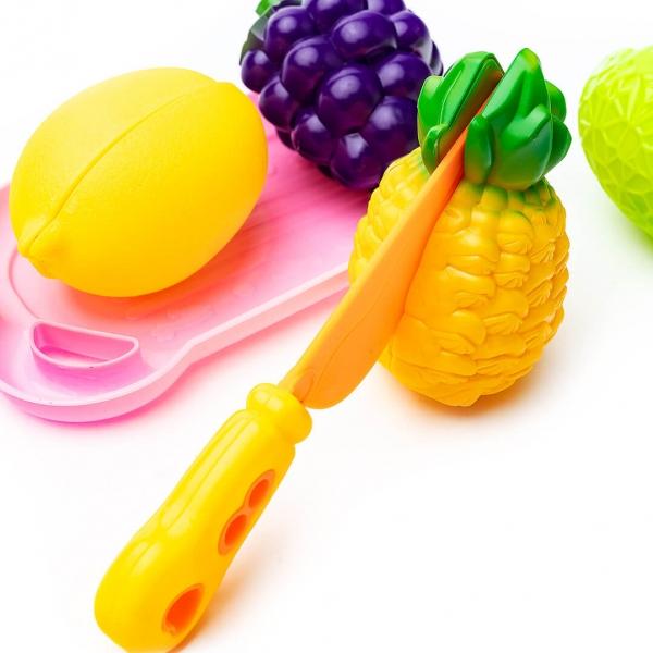 Овощи и фрукты деляться пополам+нож в пакете с